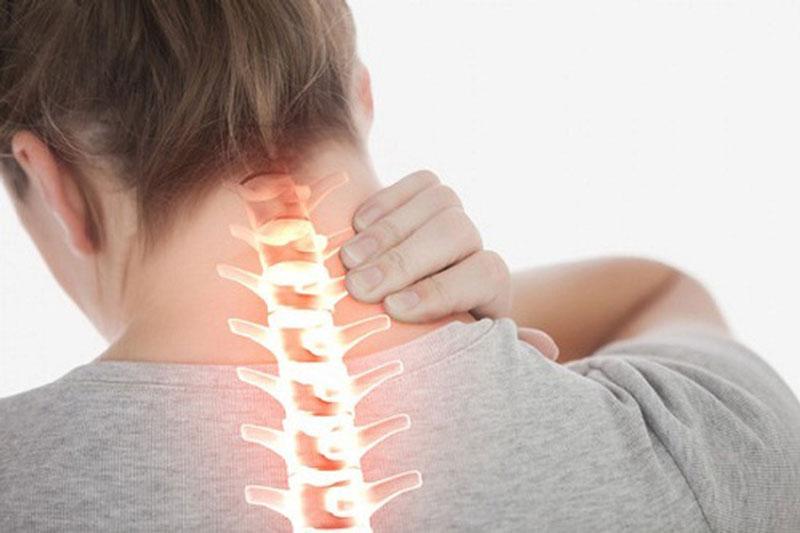 nguyên nhân đau vai gáy