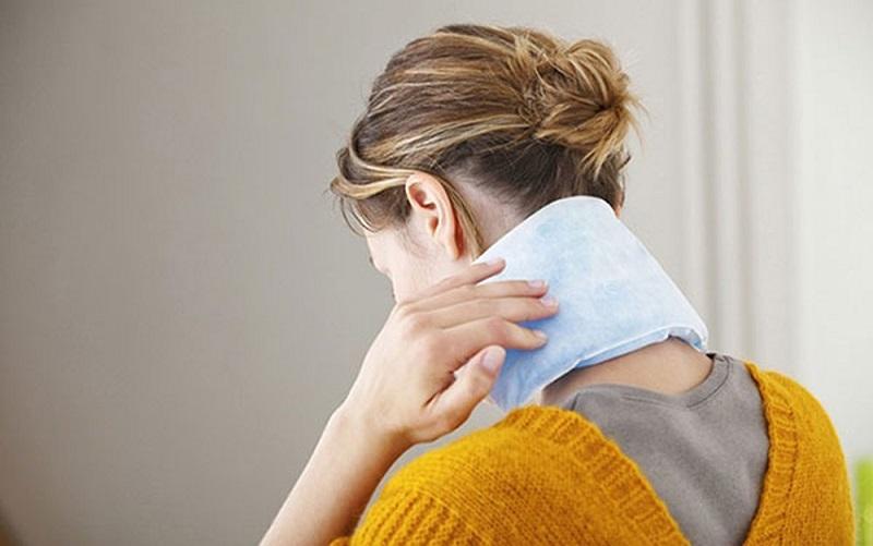 cách trị đau vai gáy tại nhà